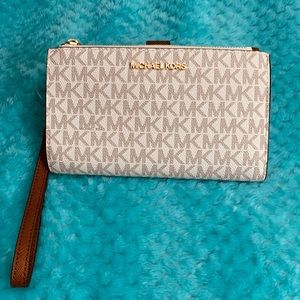 NWT Michael Kors Signature Double Zip Wristlet